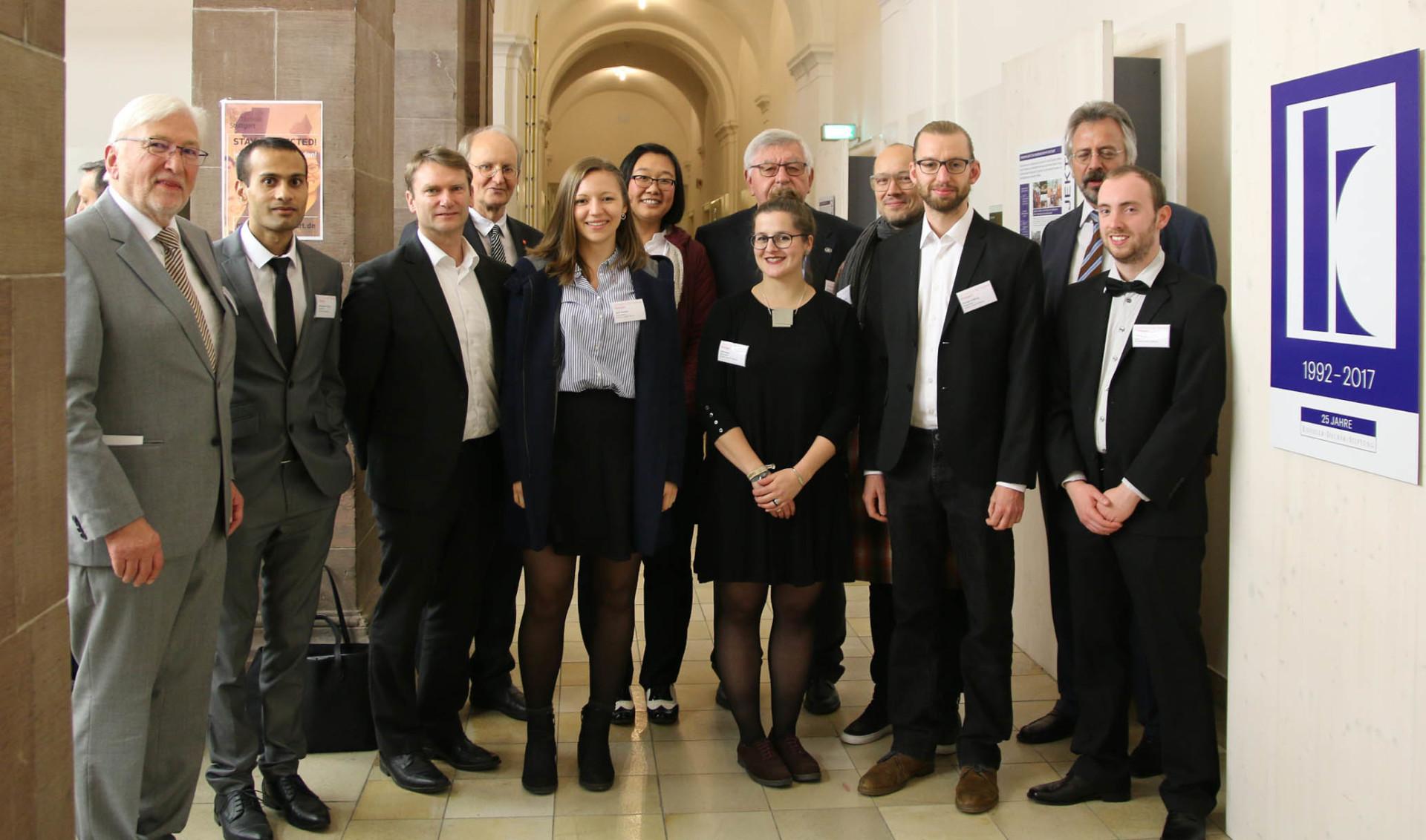 Knödler-Decker-Stiftung STIPENDIEN
